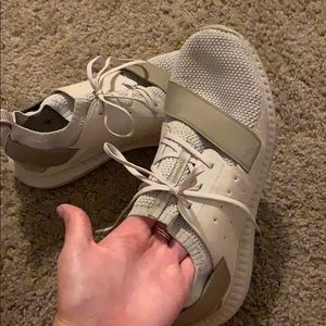 Under Armour tan athletic shoes